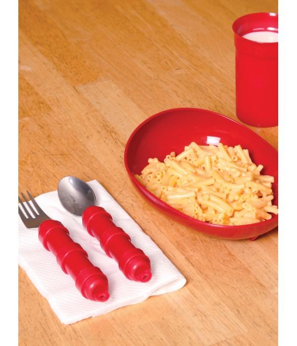 Kit com prato e talheres com cabo anatômico